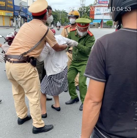 Tổng hợp thông tin báo chí liên quan đến TP. Hồ Chí Minh ngày 26/8/2021 - Ảnh 2