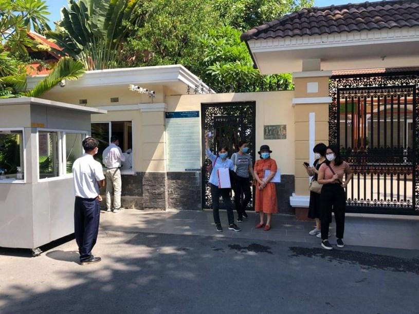 Phụ huynh Trường Quốc tế Á Châu yêu cầu đối thoại với trường về học phí vào tháng 5. Ảnh: Phụ huynh cung cấp