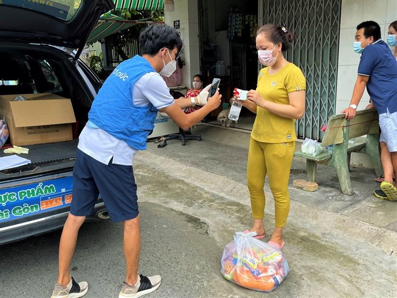 Các tình nguyện viên Đội SOS giao khoảng 300 đơn hàng tại quận Bình Tân và huyện Bình Chánh