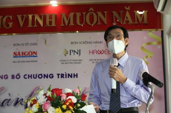Phó Tổng Biên tập Báo SGGP Phạm Văn Trườngphát biểu tại chương trình, sáng 10-9. Ảnh: DŨNG PHƯƠNG