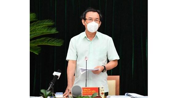 Bí thư Thành ủy TPHCM Nguyễn Văn Nên phát biểu tại hội nghị, chiều 11-9-2021. Ảnh: VIỆT DŨNG