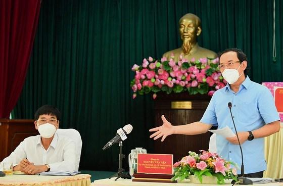 """Bí thư Thành ủy TPHCM Nguyễn Văn Nên: Vừa đảm bảo chống dịch, vừa đảm bảo """"sức khỏe"""" nền kinh tế - Ảnh 3"""