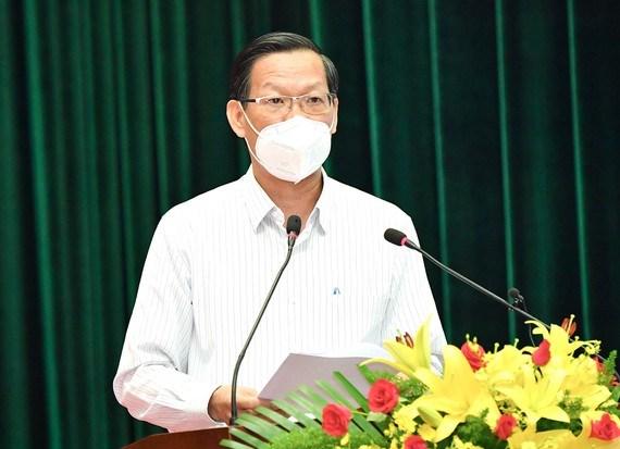 Chủ tịch UBND TPHCM Phan Văn Mãi phát biểu tại Lễ tuyên dương đoàn công tác tăng cường và tham gia phòng chống dịch Covid-19 trên địa bàn TPHCM. Ảnh: VIỆT DŨNG