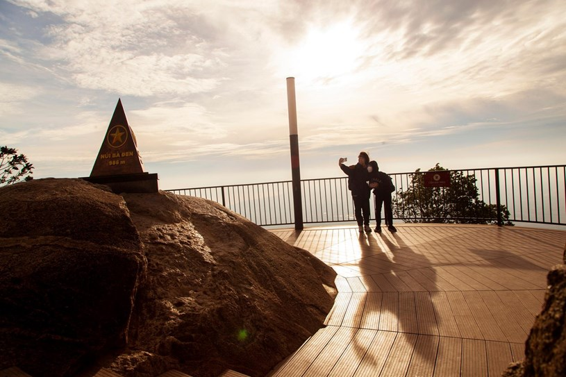 Trong tháng 10, TP.HCM sẽ có tour du lịch đến núi Bà Đen. Ảnh: GIANG PHƯƠNG