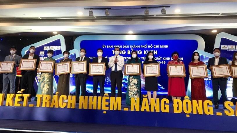 TPHCM biểu dương các doanh nhân, doanh nghiệp ngày 13/10