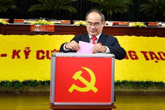Đồng chí Nguyễn Thiện Nhân, Ủy viên Bộ Chính trị tiếp tục theo dõi chỉ đạo Đảng bộ TPHCM đến khi kết thúc Đại hội đại biểu toàn quốc lần thứ XIII của Đảng - Ảnh 1
