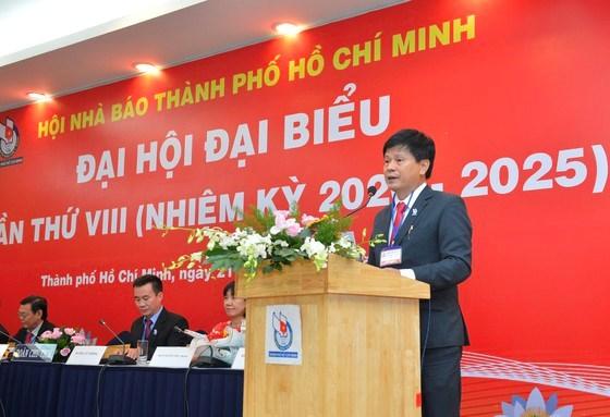 Nhà báo Trần Trọng Dũng tái đắc cử Chủ tịch Hội Nhà báo TPHCM. Ảnh: VIỆT DŨNG