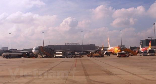 Máy bay đỗ tại sân bay Tân Sơn Nhất. (Ảnh: Việt Hùng/Vietnam+)