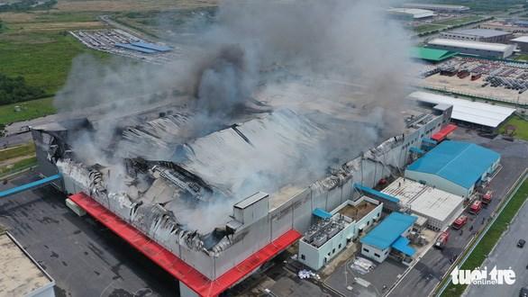 Khu nhà xưởng của công ty cháy rụi .Ảnh: PC07