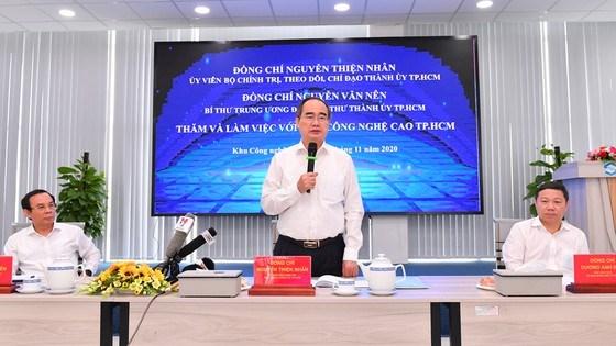 Đồng chí Nguyễn Thiện Nhân phát biểu tại buổi làm việc. Ảnh: VIỆT DŨNG