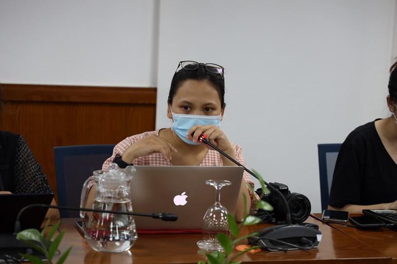 Tại cuộc họp báo, nhiều phóng viên quan tâm đến tốc độ lây lan của chủng virus SARS-CoV-2 thể mới