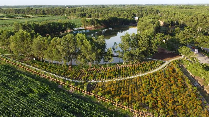 Đầu năm 2021, Vinamilk giới thiệu hệ thống trang trại sinh thái Vinamilk Green Farm được đầu tư xây dựng tại Tây Ninh, Quảng Ngãi và Thanh Hóa