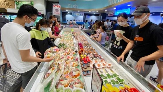 Các hệ thống phân phối chủ lực (Saigon Co.op, Satra, Bách Hóa Xanh…) tổ chức phân phối hàng hóa cho người dân trên địa bàn