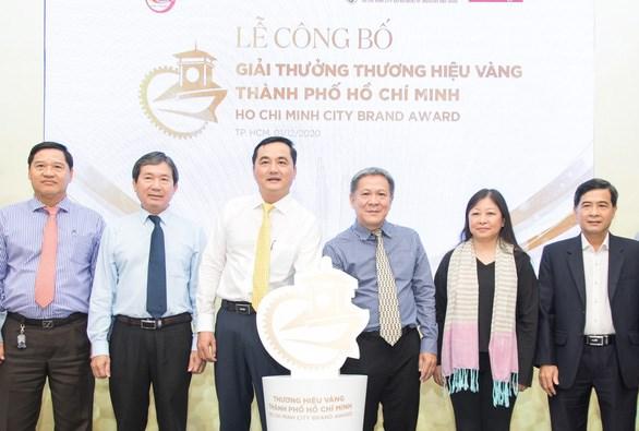 """Hội đồng bình chọn công bố giải thưởng """"Thương hiệu vàngThành phố Hồ Chí Minh """" - Ảnh: N.B"""