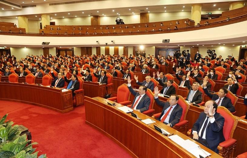 Đoàn đại biểu TPHCM dự Đại hội lần thứ XIII của Đảng