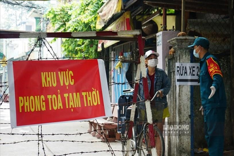 Liên tục ghi nhận không có ca mắc COVID-19 mới, lần lượt các địa điểm phong toả phòng dịch tại TP Hồ Chí Minh được gỡ bỏ