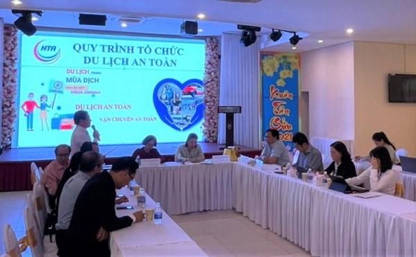 Toàn cảnh buổi tọa đàm với một số doanh nghiệp du lịch ở TPHCM tham dự.