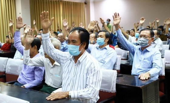 Cử tri tại phường 6 (quận 4, TPHCM) thống nhất giới thiệu bà Tô Thị Bích Châu, Chủ tịch Ủy ban MTTQ Việt Nam TPHCM ứng cử đại biểu Quốc hội khóa XV