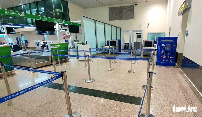 Máy soi chiếu ở đảo G, H, khu vực quầy làm thủ tục của Bamboo Airways đã được lắp đặt, sẵn sàng hoạt động - Ảnh: CÔNG TRUNG