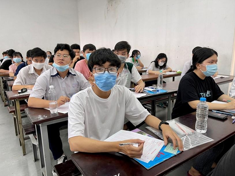 Thí sinh tham gia kỳ thi đánh giá năng lực của ĐH Quốc gia TP.HCM. Ảnh: MỸ QUYÊN