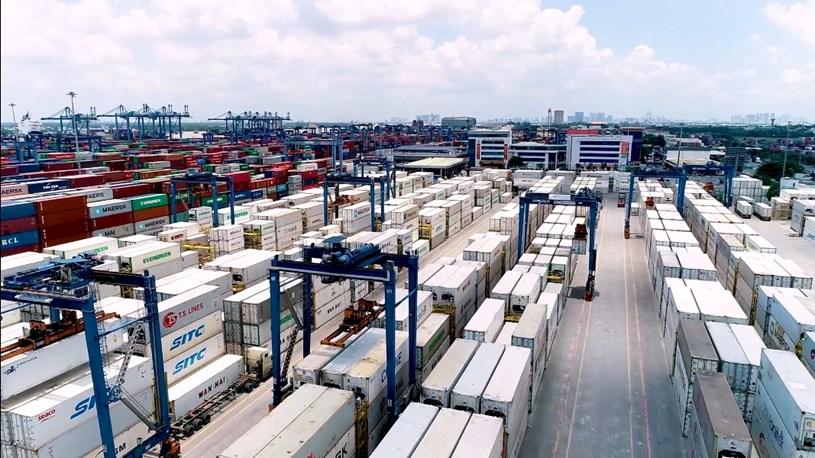 Tổng công ty Tân cảng Sài Gòn cho biết dung lượng tồn bãi cảng Cát Lái tăng cao