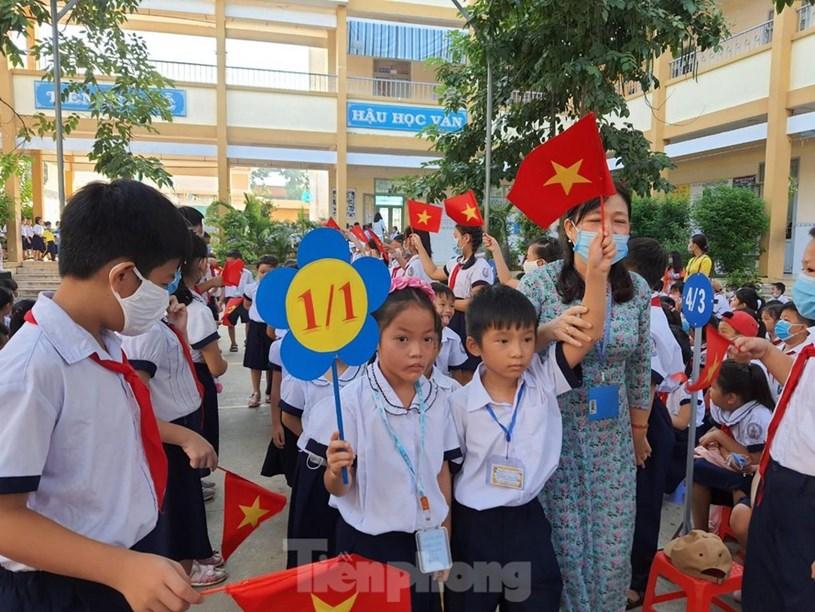 Học sinh tiểu học TPHCM sẽ học trực tuyến 10 tuần đầu năm học mới