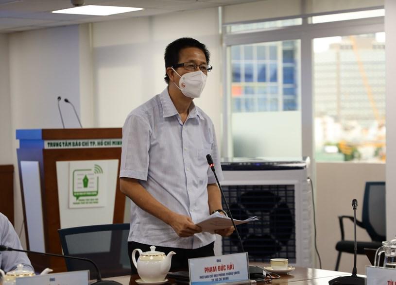 Phó Ban chỉ đạo Phạm Đức Hải thông tin về công tác chỉ đạo của TP. Ảnh: Linh Nhi