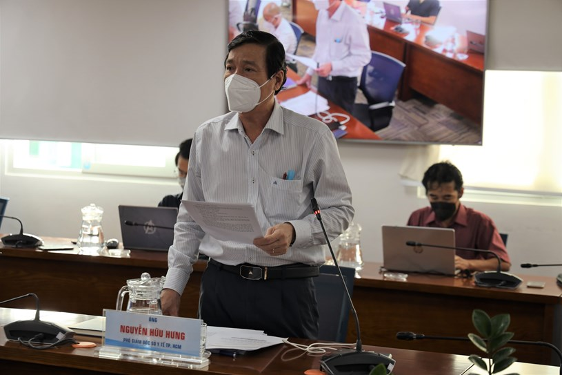 Phó Giám đốc Sở Y tế Nguyễn Hữu Hưng phát biểu tại họp báo