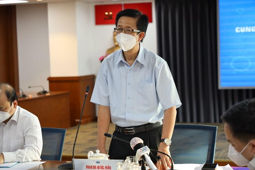 Phó Ban chỉ đạo Phạm Đức Hải chủ trì họp báo. Ảnh: Khang Minh