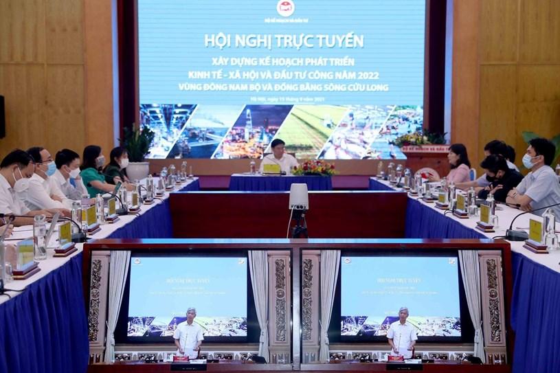 Phó Chủ tịch TPHCMVõ Văn Hoan phát biểu tại hội nghị trực tuyến