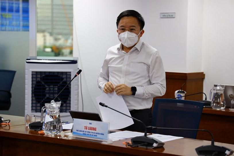 Phó giám đốc Sở Thông tin và Truyền thông Từ Lương phát biểu tại họp báo. Ảnh: Khang Minh