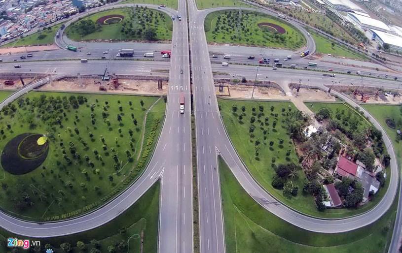Chuẩn bị thu phí để hoàn vốn dự án mở rộng Xa lộ Hà Nội và quốc lộ 1