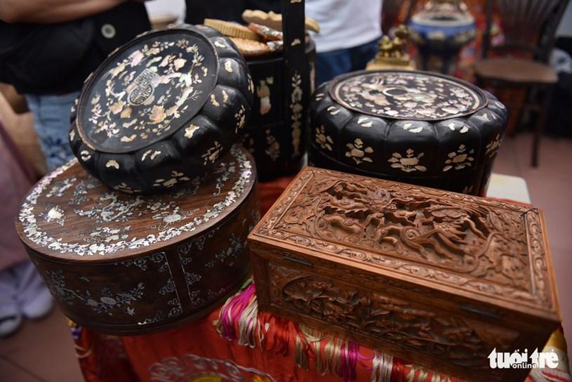 Những tráp đựng thức ăn với họa tiết cầu kỳ cũng được trưng bày tại ngày hội