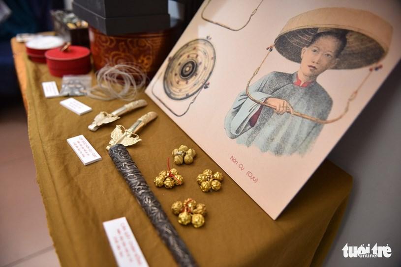 Không gian trưng bày trang sức của phụ nữ miền Nam xưa