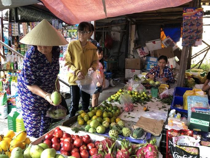 Tiểu thương chợ truyền thống sẽ được giảm 50% tiền thuê sạp chợ trong 6 tháng cuối năm 2020