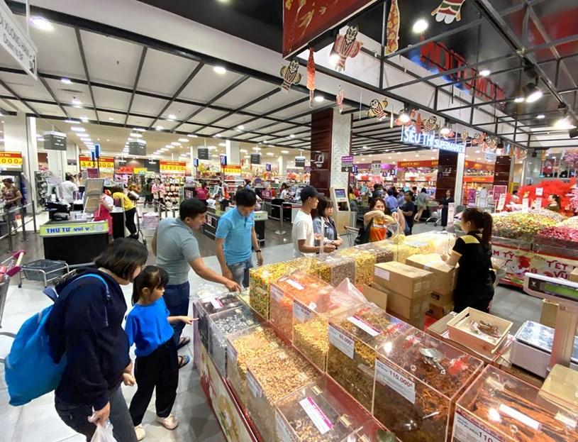 Thị trường giáp tết: Doanh nghiệp bung hàng, tăng khuyến mãi