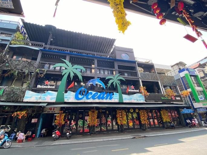 Nhà hàng, quán ăn ở phố đi bộ Bùi Viện (quận 1) tạm ngưng kinh doanh để phòng chống dịch