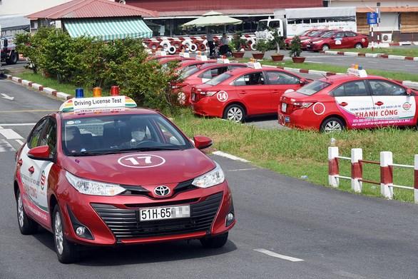 Thực hành lái xe tại một cơ sở đào tạo lái xe dân sự ở TP.HCM - Ảnh: Q.ĐỊNH