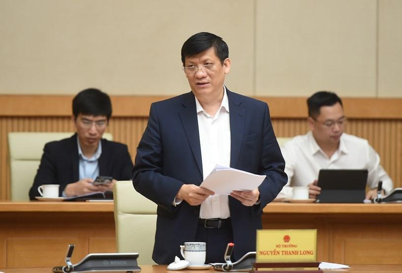 Bộ trưởng Bộ Y tế Nguyễn Thanh Long thông tin tại cuộc họp. Ảnh: VGP