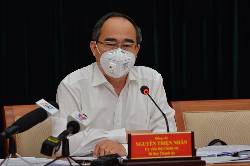 Bí thư Thành ủy Nguyễn Thiện Nhân chỉ đạo tại cuộc họp