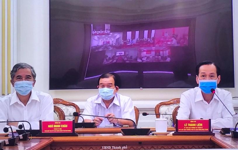 Phó Chủ tịch Thường trực UBND TP Lê Thanh Liêm và Phó Chủ tịch UBND TP Ngô Minh Châu chủ trì buổi giao ban