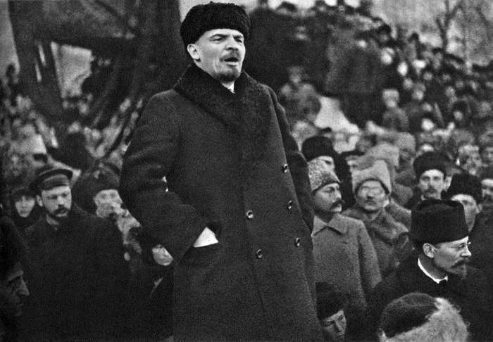 V.I.Lenin: Lãnh tụ vĩ đại của cách mạng vô sản thế giới - Ảnh 2