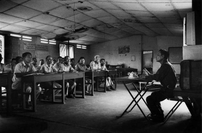 Một lớp học tại Trại cải tạo/ Ảnh tư liệu