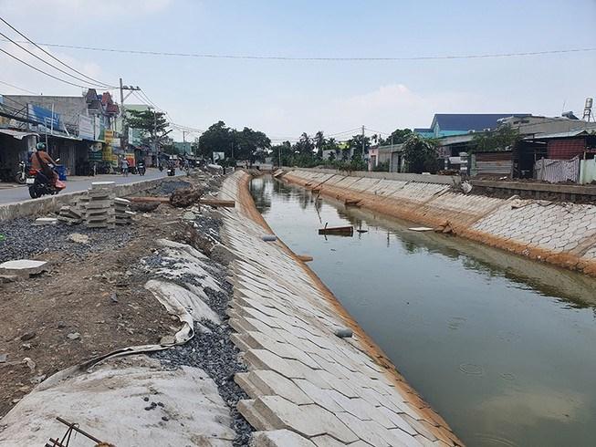 Tuyến rạch Rỗng Tùng trước trụ sở UBND phường Thạnh Xuân sắp được đưa vào sử dụng đã làm thay đổi diện mạo ở địa phương. Ảnh: HỮU ĐĂNG