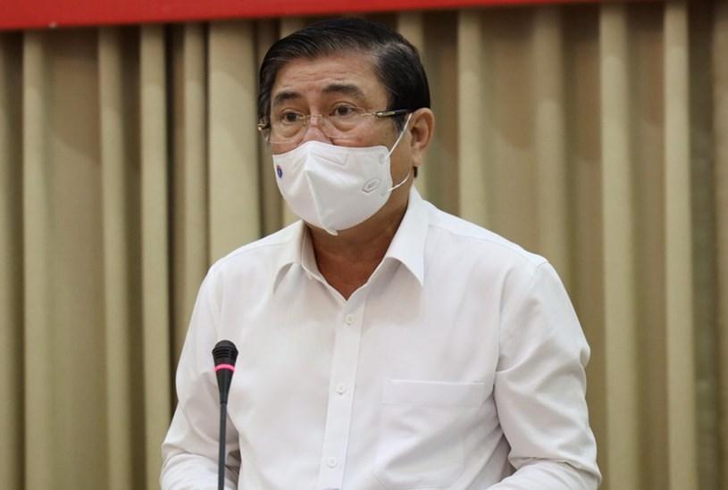 Chủ tịch UBND TP Nguyễn Thành Phong trân trọng cảm ơn sự chia sẻ và ủng hộ của cộng đồng doanh nghiệp TPHCM. Ảnh: Huyền Mai