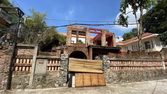 Căn biệt thự số 6B Ngô Thời Nhiệm, phường 7, quận 3 đã bị tháo dỡ một phần