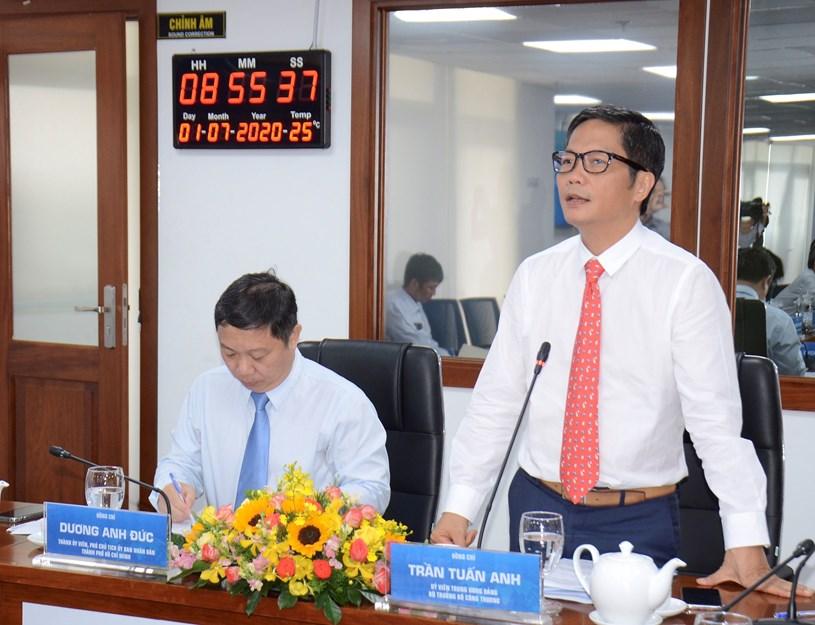 Ủy viên Trung ương Đảng, Bộ trưởng Bộ Công Thương Trần Tuấn Anh phát biểu đề dẫn cho buổi Tọa đàm