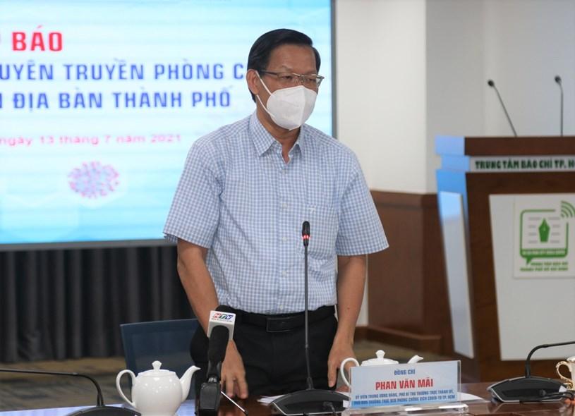 Phó Bí thư Thường trực Thành uỷ Phan Văn Mãitrân trọng cảm ơn đồng bào cả nước, Nhân dân TP, các nhà báo, phóng viên, tổ chức, doanh nghiệp đã và đang đồng hành cùng TP