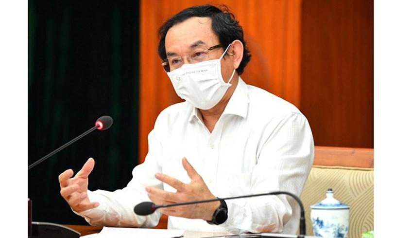 Bí thư Thành uỷ TPHCM Nguyễn Văn Nên đề nghị có cơ chế rút ngắn thủ tục mua, nhập trang thiết bị y tế để cung ứng kịp thời cho các khâu hồi sức, cấp cứu cho bệnh nhân nặng tại bệnh viện.