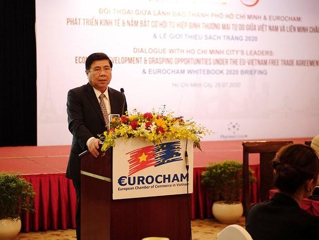 Chủ tịch UBND TP.HCM Nguyễn Thành Phong tại buổi đối thoại với cácdoanh nghiệp châu Âu. Ảnh: T.LÂM
